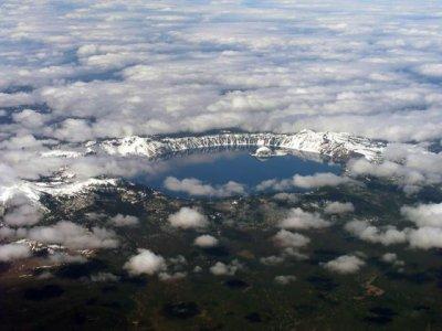 Старик и озеро (16 фото)