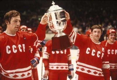 Чебоксары встречают легендарных звезд советского хоккея