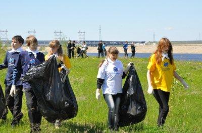 На новочебоксарской набережной собрали 3 тонны мусора