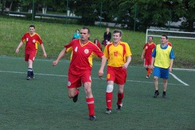 Члены Кабинета Министров во главе с Президентом Чувашии провели день здоровья на футбольном поле
