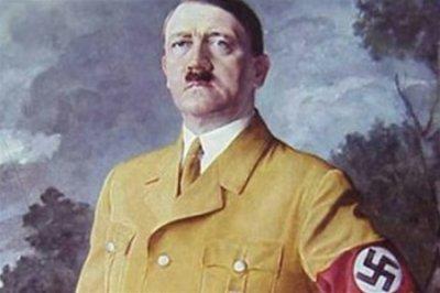 Резиновую куклу для секса изобрел Гитлер
