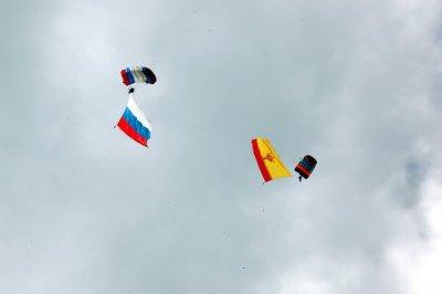 В Чувашии дан старт чемпионату и первенству России по парашютному спорту