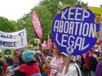 Международные организации призвали Госдуму прекратить борьбу с абортами
