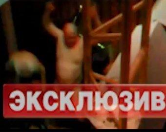 "Стриптиз приставов ""взорвал"" Интернет"