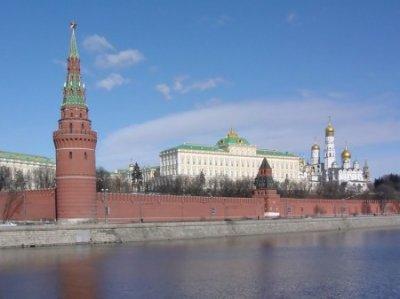 Кремль сбрасывает маски