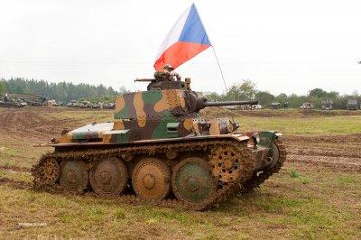 Танковый день в Лешанах