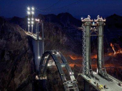 Новый мост через дамбу Гувера (35 фото)