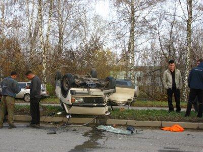В Новочебоксарске «пятерка» с пьяными рабочими врезалась в троллейбус