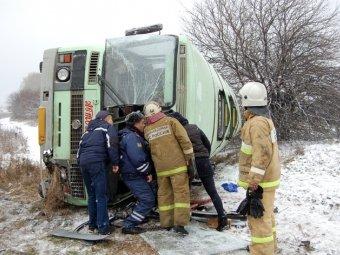 Сильный снегопад убил двух человек в смертельных ДТП