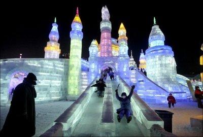 Ледовый дворец в Китае (15 фото)