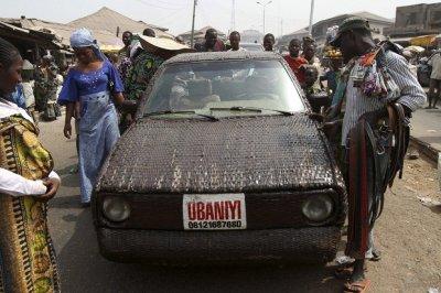 Плетеный автомобиль из Нигерии