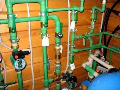 Ижевские сантехники пустили воду по газовой трубе