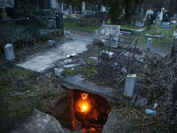 На кладбеще секс фото 393-322