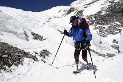 Марк Инглис — первый альпинист, покоривший Эверест без ног