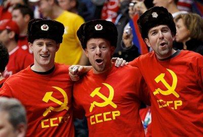 Пьяные фанаты устроили беспорядки на хоккейном матче в Новочебоксарске