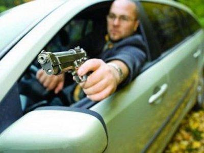 """Пассажир """"четырнадцатой"""" подстрелил пьяного пешехода-нарушителя"""