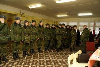 Несколько сотен солдат-срочников заболели пневмонией в Острогожском учебном центре;
