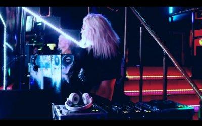 DJane Mirjami на Topless DJ Show