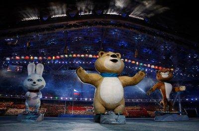 В Сочи зажгли олимпийский огонь