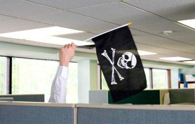 Американская Adobe Systems отказалась от борьбы с пиратством в России