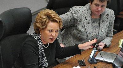 Матвиенко предложила оградить детей от «болтанки в интернете» и взять под контроль смартфоны