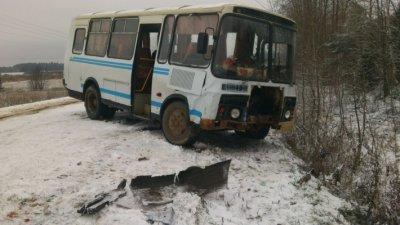 """На трассе """"Сыктывкар-Чебоксары"""" погибло шесть пассажиров автобуса"""