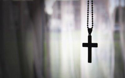 Веру в Бога и призраков порождает ошибка в механизме мышления