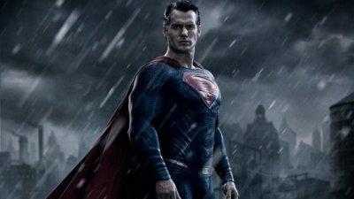 Бэтмен и Супермен отступили перед Капитаном Америка