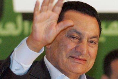 Суд в Египте оправдал экс-президента Мубарака