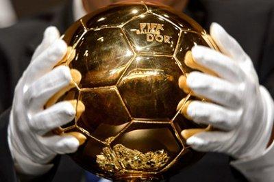 Роналду, Месси и Нойер составили тройку претендентов на «Золотой мяч»