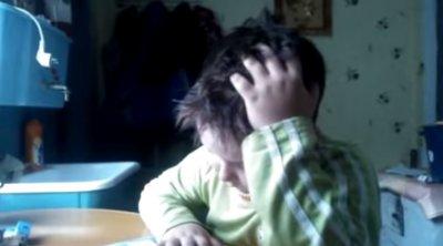 Мальчик учит стих!