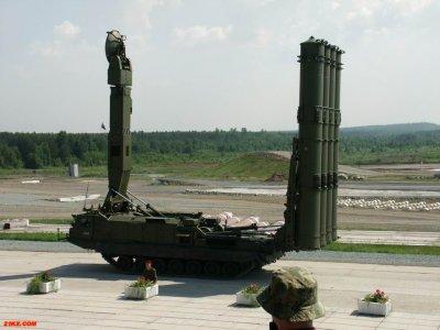 Российская армия приняла на вооружение дальнюю ракету для системы ПВО