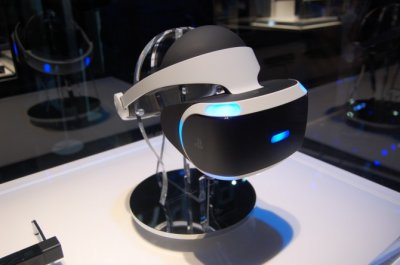 PlayStation VR выйдет в первой половине 2016 с 10 играми и будет стоить, как новая консоль