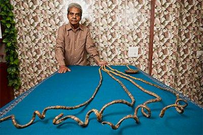 Отращивавший ногти с 1952 года индиец побил мировой рекорд