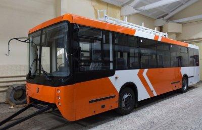 На «НЕФАЗе» собран первый корпус нового среднепольного троллейбуса