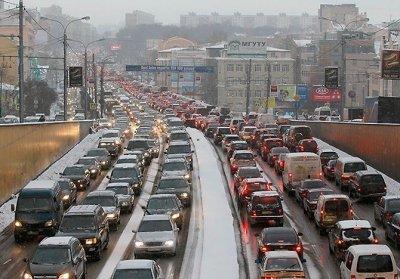 Москва и Санкт-Петербург – лидеры среди регионов России по продажам автомобилей на тысячу жителей