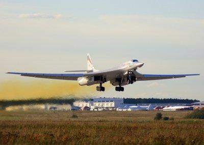 Сверхдальнюю авиационную ракету разрабатывают в России