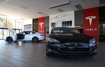 Tesla начнет производство нового электромобиля Model 3 в сентябре