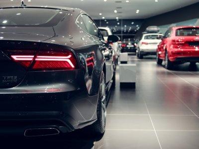 Каждый четвертый продаваемый автомобиль в России стоит свыше 1,6 млн рублей
