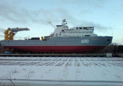 "Спущено на воду спасательное буксирное судно ""Академик Александров"""