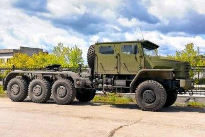 На испытаниях находится новый тяжелый тягач Урал-6308