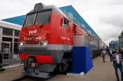 Новый российский 3-секционный тепловоз выходит на испытания