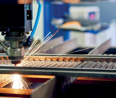 Об использовании новых лазерных технологий в ремонте российских самолетов