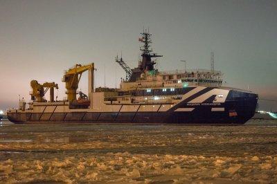 Новое российское исследовательское судно проекта 20183 вышло на испытания